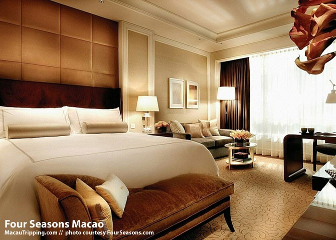 four-seasons-macao-bedroom