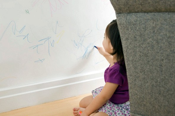 toddler-wall-crayons-590